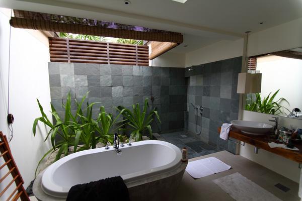W Retreat and Spa Malediven - Bad